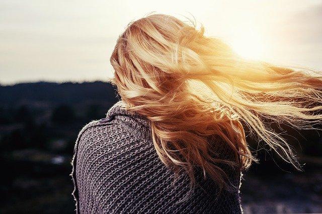 Jakie produkty pomogą nam zatroszczyć się o nasze włosy?