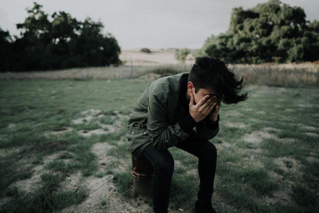 Jak przetrwać zerwanie? Sposoby na lepsze samopoczucie po zerwaniu